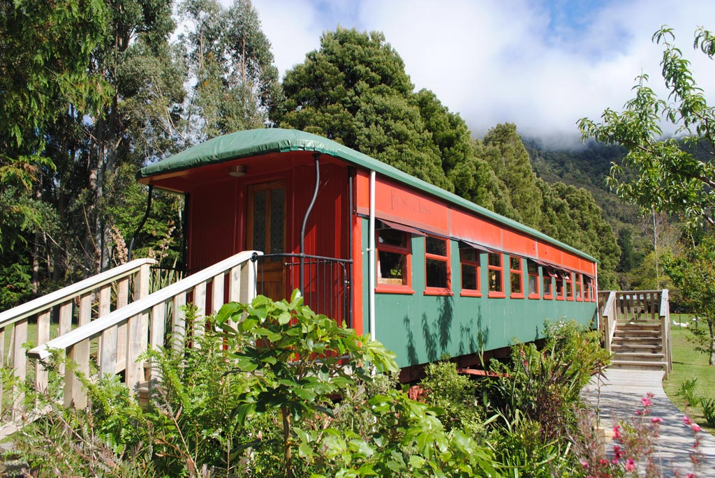 Exterior Of Train Carriage On The Track Lodge Nydia Bay