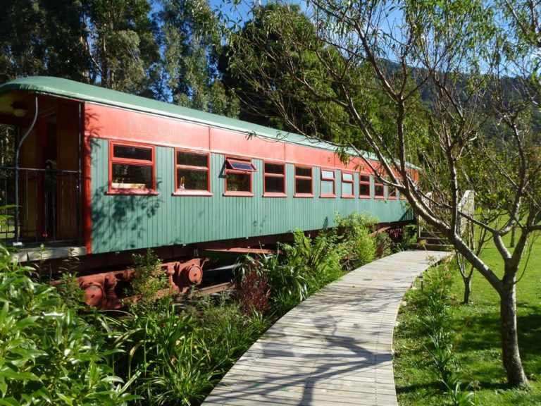 Train Carriage At On The Track Lodge Nydia Bay