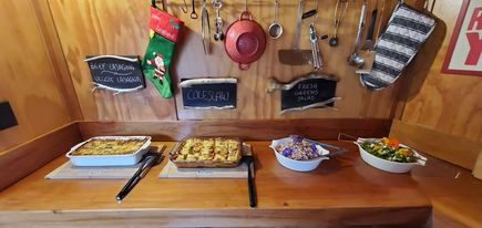 Buffet meals On the Track Lodge Nydia Bay